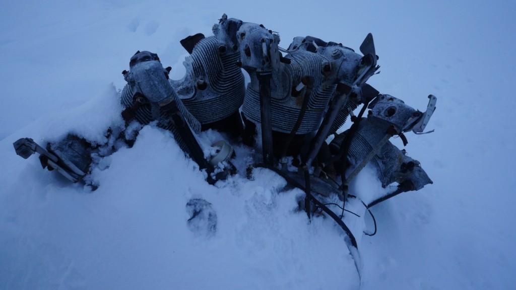 Motor fra vraket. På vinteren er det ofte bare denne som er synlig av vrakdelene.