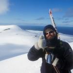 Tommel opp på Verdande (462 moh). Skuld til venstre.