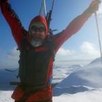 En hoppende glad driftsleder på toppen av Verdande (462 moh)